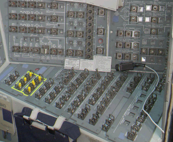 Space Shuttle Instrument Panel : Space shuttle guide interior of the flight deck